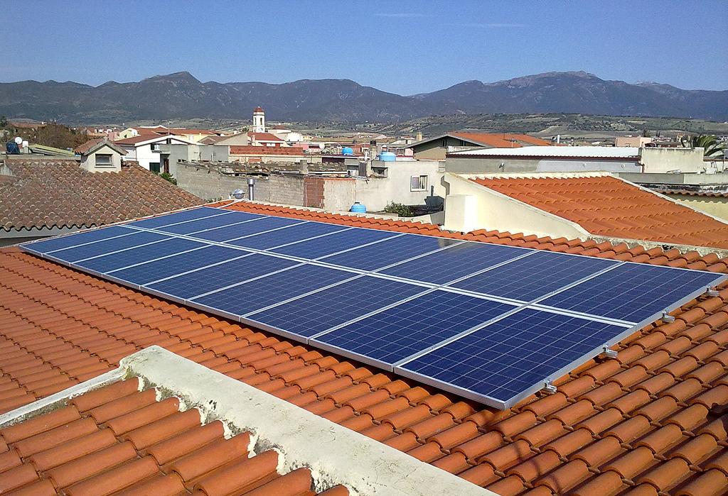 Impianti fotovoltaici chiavi in mano in sardegna i - Pannelli oscuranti per finestre ...